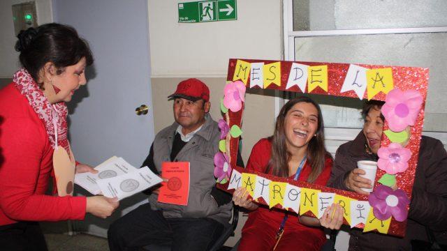 Educación de salud a usuarios del Hospital en el marco del Día Internacional del Matrón y la Matrona.