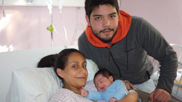 foto de alonso uno de los primeros bebés nacidos en la Nueva Región de Ñuble.