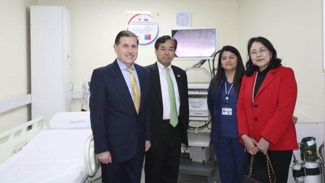 embajador de japón conoció funcionamiento de Torre Endoscópica